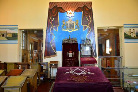 Baal ShemTov - singura sinagogă din lemn din Europa de Est conservată integral