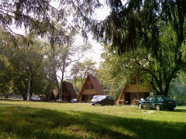 Satul de vacanţă Căsoaia
