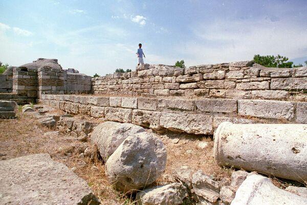 Callatis, cetate doriană întemeiată în sec. 5 i.Hr. de locuitorii Heracleii Pontice