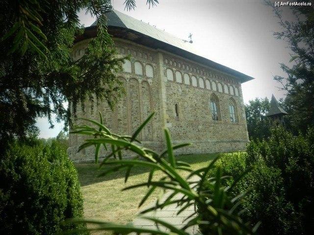 Biserica Borzeşti