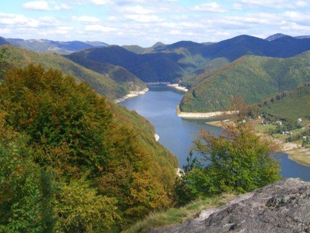Lacul de acumulare Leșu - 570 m