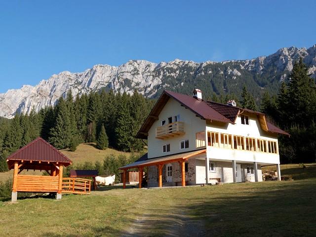 Cabana Dragoş Băjan - 1090 m