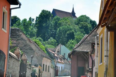 Biserica Evanghelică ''Din Deal'', situată în vârful așa-numitului 'Deal al școlii'