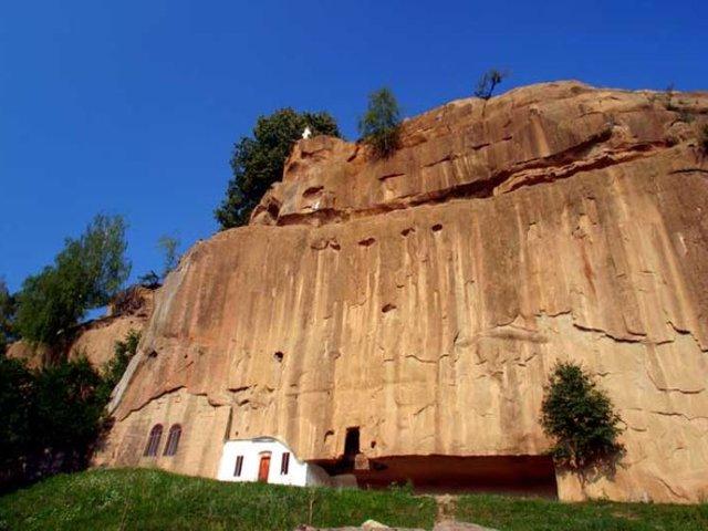 Mănăstirea Corbii-de-Piatră