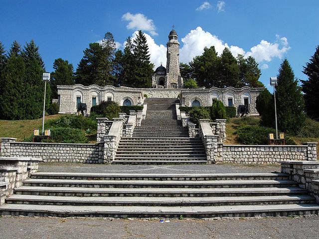 Mausoleul de la Mateiaş