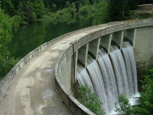 Barajul Baciu - râul Doamnei - 865 m