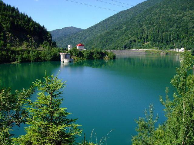 Lacul de acumulare Râuşor - râul Târgului - 901 m