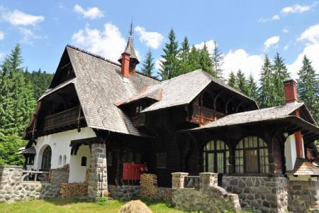 Castelul Lăpușna, în Munții Gurghiului
