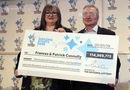 Un cuplu din Irlanda de Nord a câştigat 115 milioane de lire sterline la loteria de Anul Nou