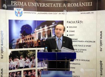 Iaşi: Tudorel Toader şi-a reluat funcţia de rector al Universităţii ''Alexandru Ioan Cuza''