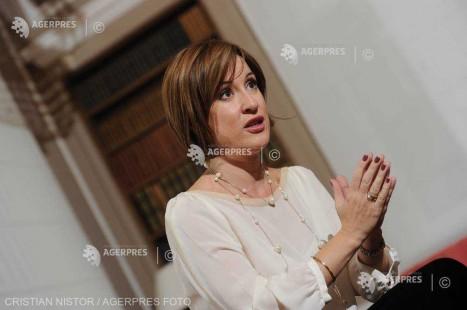 DOCUMENTAR: Actriţa Medeea Marinescu împlineşte 45 de ani