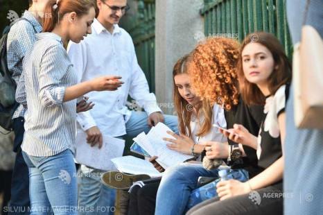 Cea de-a doua sesiune a examenului naţional de Bacalaureat 2018 începe luni
