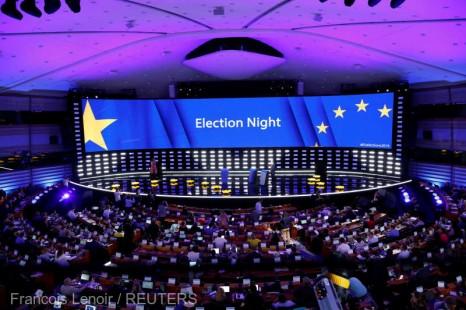 Primele estimări ale componenţei PE în baza rezultatelor parţiale confirmă declinul principalelor două grupuri politice