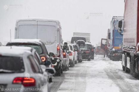 Căderile masive de zăpadă au paralizat regiuni din Europa