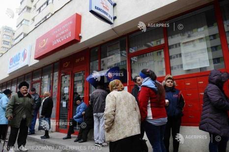 Magazinele Enel, subunităţile poştale, băncile şi retailerii au anunţat un program special pentru perioada Sărbătorilor