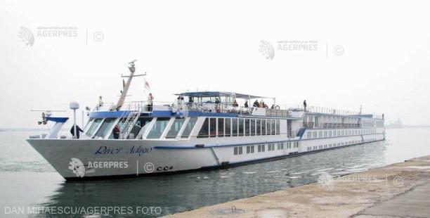 Constanţa: Nava de pasageri River Adagio deschide sezonul croazierelor în portul maritim