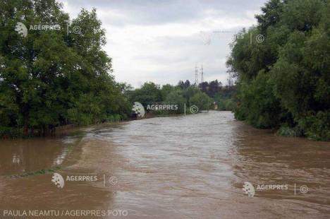 Cod galben de inundaţii pe râuri din judeţele Hunedoara, Bihor, Sălaj şi Cluj
