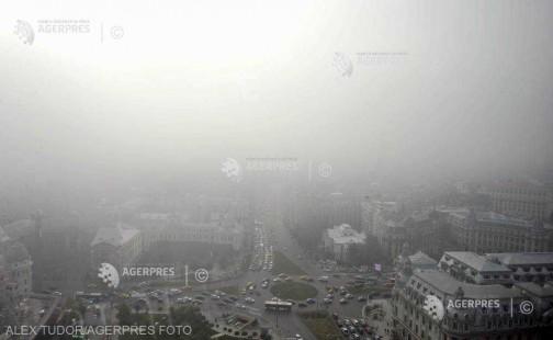 Cod galben de ceaţă densă în Bucureşti, luni dimineaţa