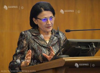 Ecaterina Andronescu: Ne-am angajat că vom duce la 30 martie noua lege a educaţiei în Parlament