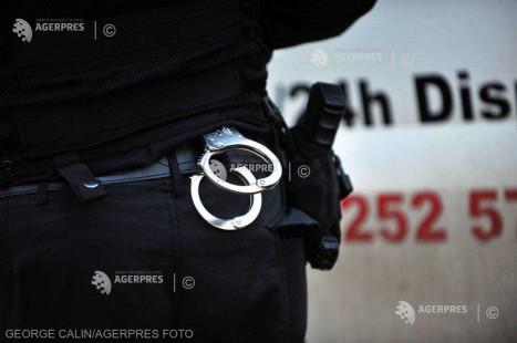 Vaslui: Poliţiştii au identificat 3 minori bănuiţi de distrugerea unor monumente funerare în cimitirul evreiesc din Huşi