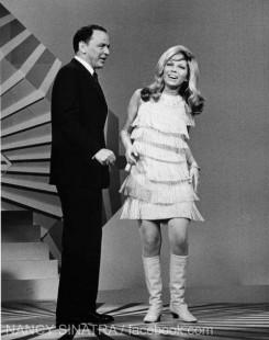 PĂRINŢI ŞI COPII TALENTAŢI: Nancy şi Frank Sinatra