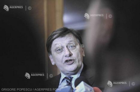 Crin Antonescu: Eşecul referendumului nu e motiv de demitere a unui guvern; Dragnea nu trebuie să îşi dea demisia