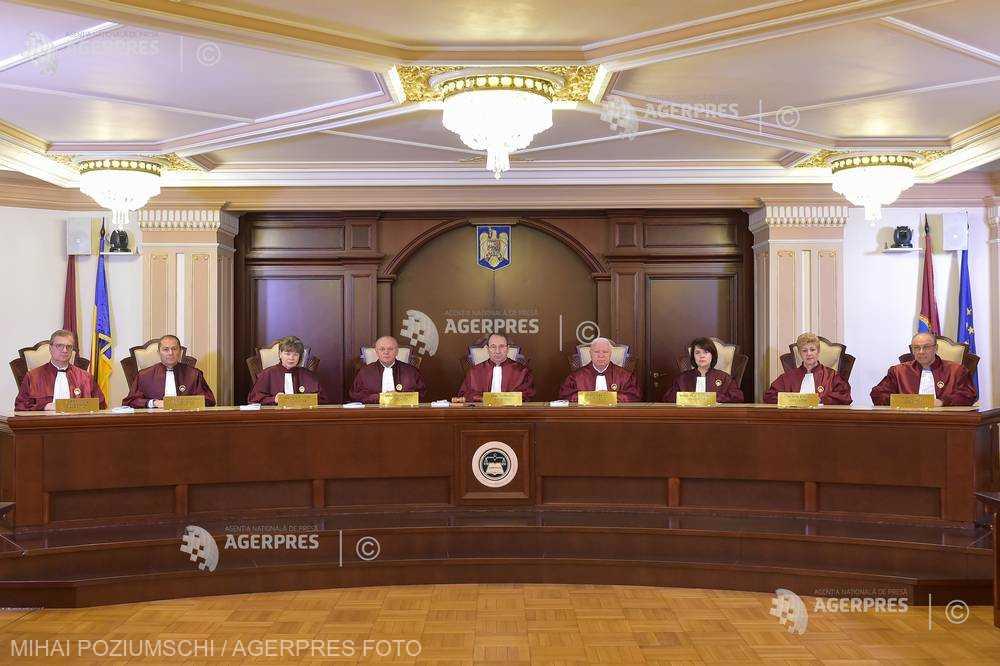 CCR: Legea de completare a OG 13/2011 - neconstituţională în integralitatea sa