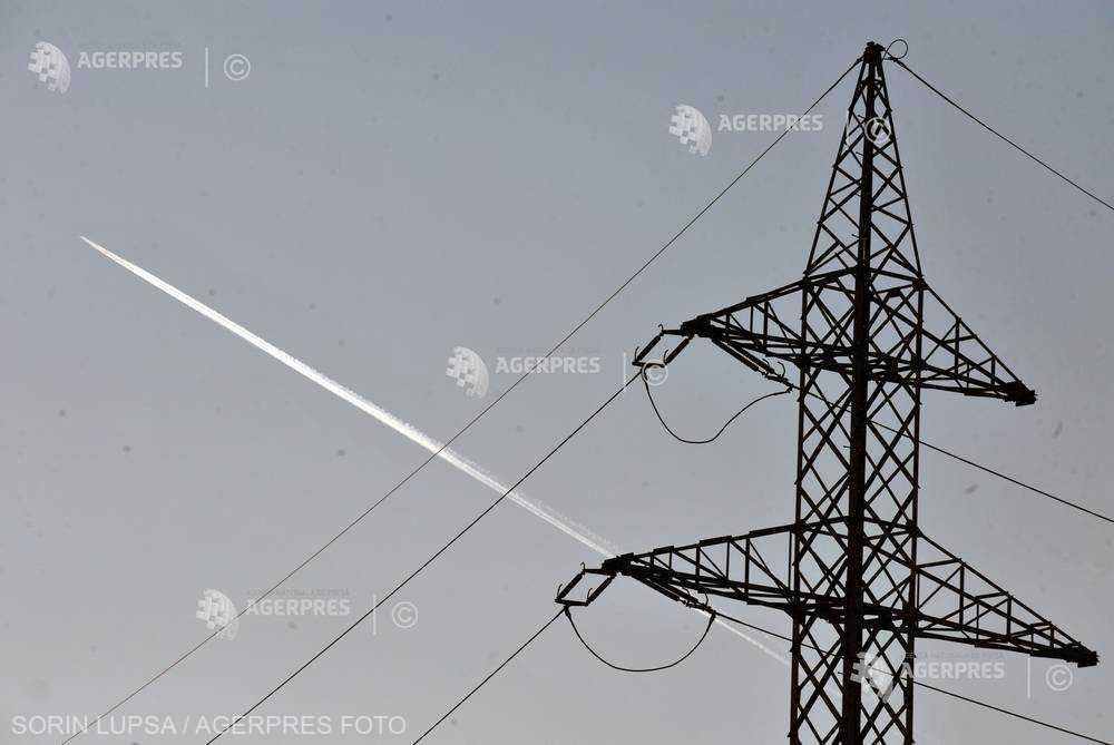 România importa cantităţi semnificative de energie electrică marţi dimineaţă, la un consum aproape de cel record