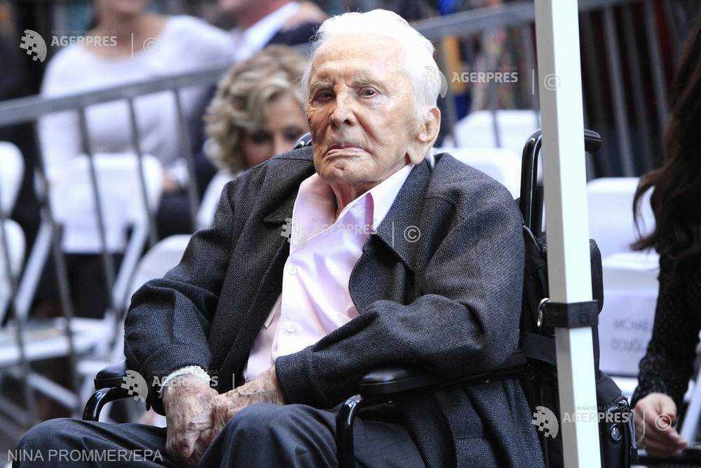 Kirk Douglas la 102 ani: ''Sunt recunoscător pentru tot ce mi s-a dat''