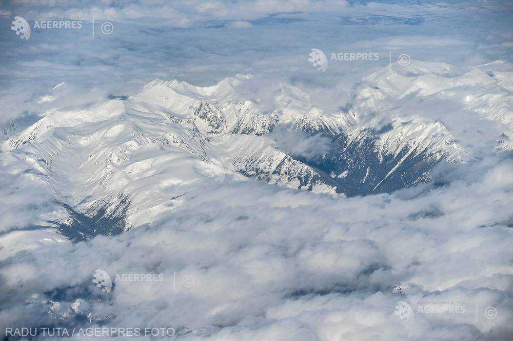 Sibiu: Risc mare de avalanşe la peste 1.800 de metri în Munţii Făgăraş