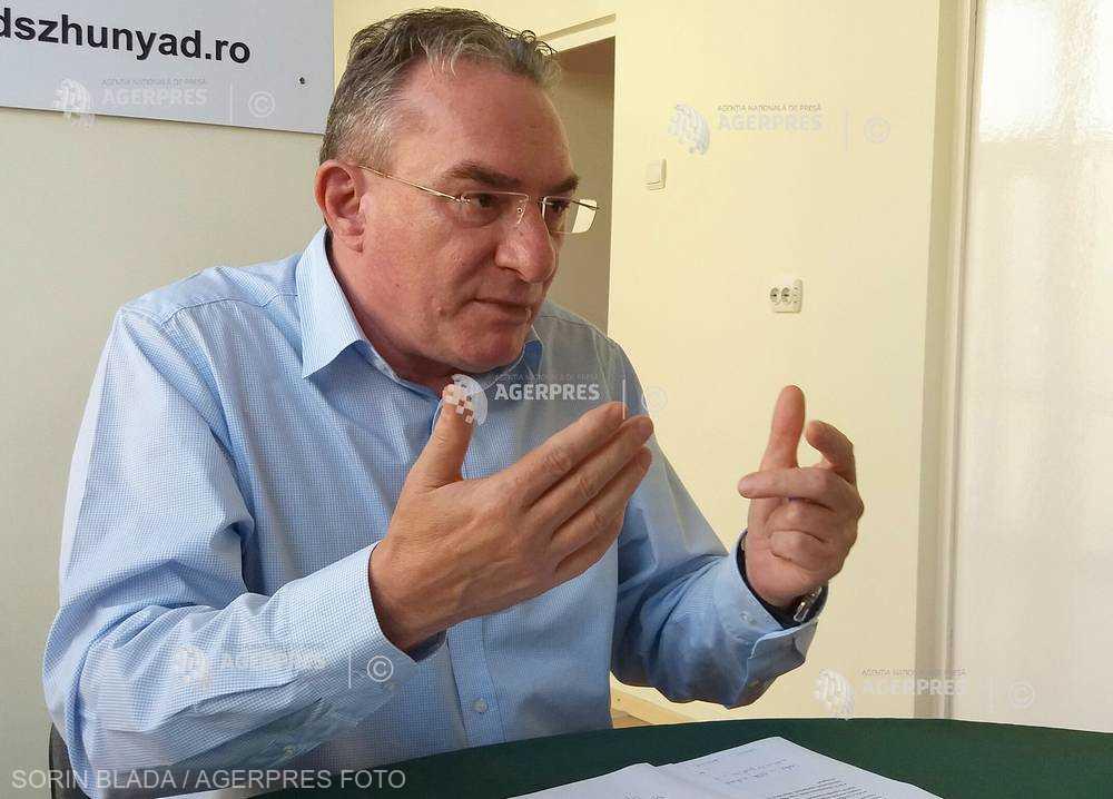 Iuliu Winkler (UDMR): Îndemnăm cetăţenii să participe la referendum şi să răspundă cu 'da' la ambele întrebări