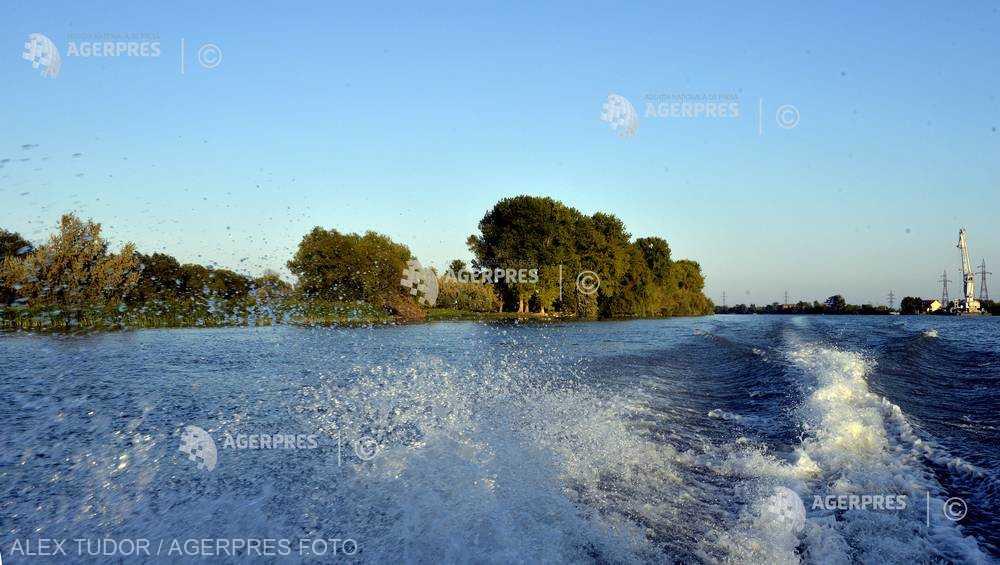 Tulcea: Nave ecologice noi pentru transportul persoanelor în Deltă