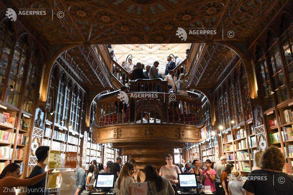 Librăria Lello din Porto, veche de peste un secol, salvată de la faliment de Harry Potter