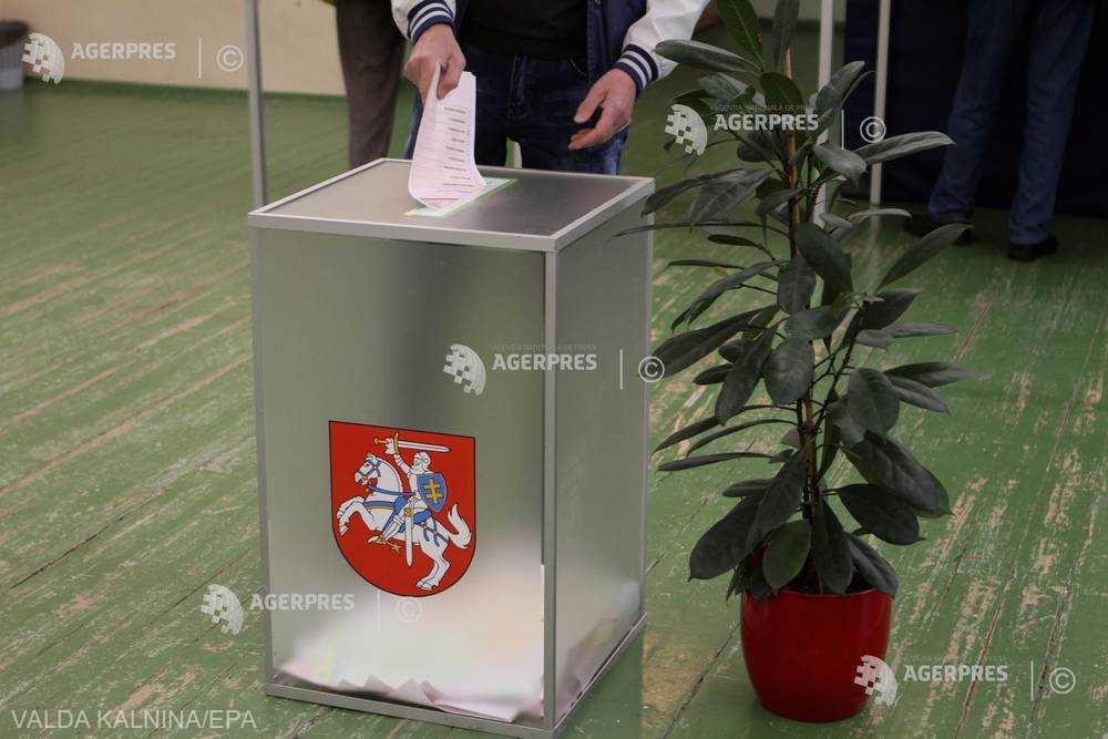 Lituania, divizată între bogaţi şi săraci, îşi alege preşedintele