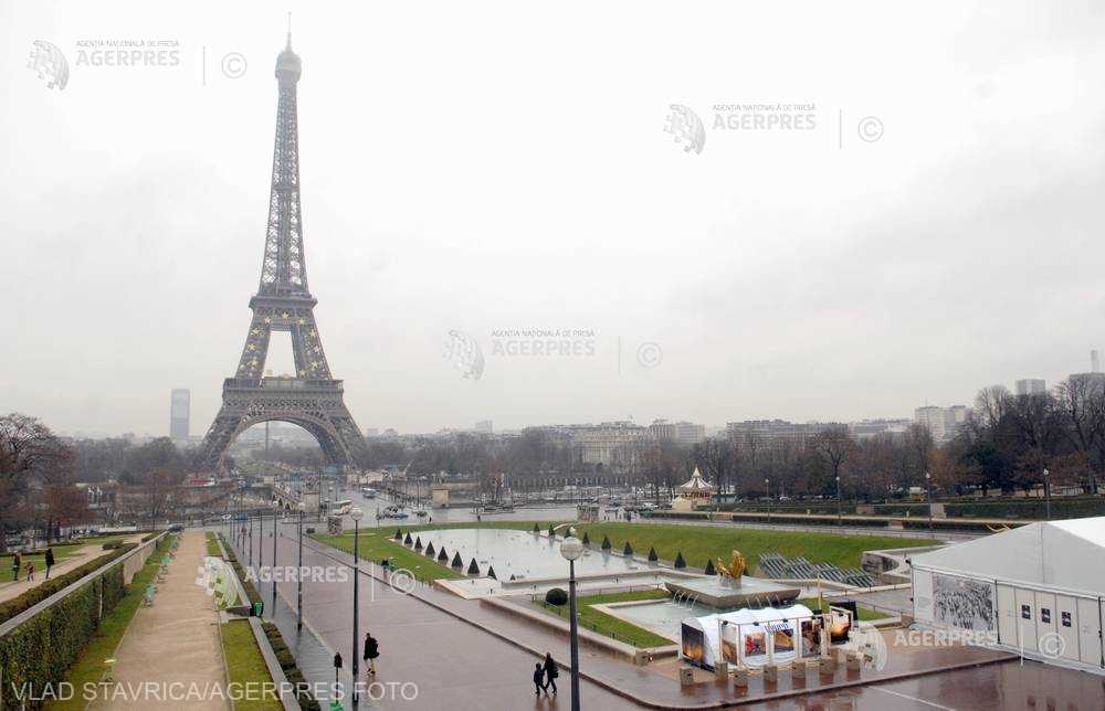 Locuitorii din Paris, indignaţi de noile pisoare ecologice instalate în oraş