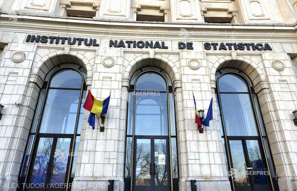Consumul gospodăriilor a contribuit cel mai mult la creşterea economiei româneşti în primul trimestru