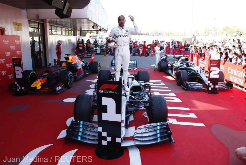 Auto - Formula 1: Lewis Hamilton, învingător în Marele Premiu al Spaniei