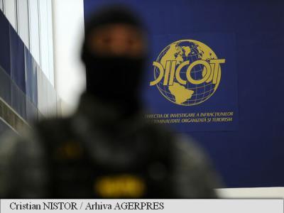 Trei persoane care vindeau droguri în stațiunea Mamaia, reținute de DIICOT