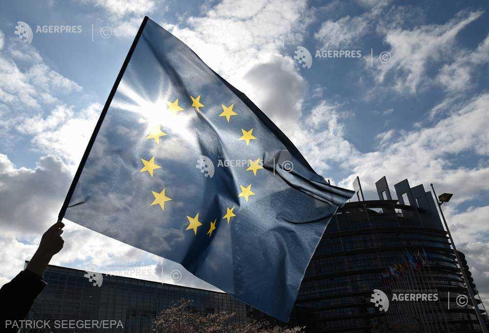 Începe campania electorală pentru europarlamentare; 13 formaţiuni politice şi trei independenţi intră în cursă