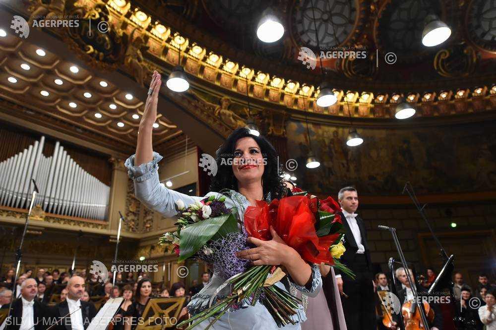 ROMÂNI CELEBRI: Angela Gheorghiu, un superstar al operei internaţionale