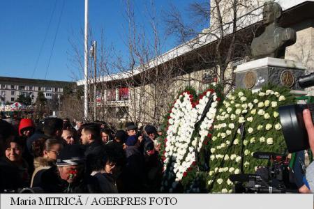 Circa 8.000 de membri PSD s-au adunat la Craiova pentru a aduce un omagiu regelui Mihai