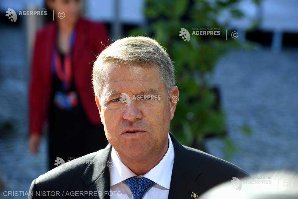Iohannis contestă în instanţă amenda primită de la CNCD pentru termenul 'nişte penali'; procesul - amânat pe 23 noiembrie