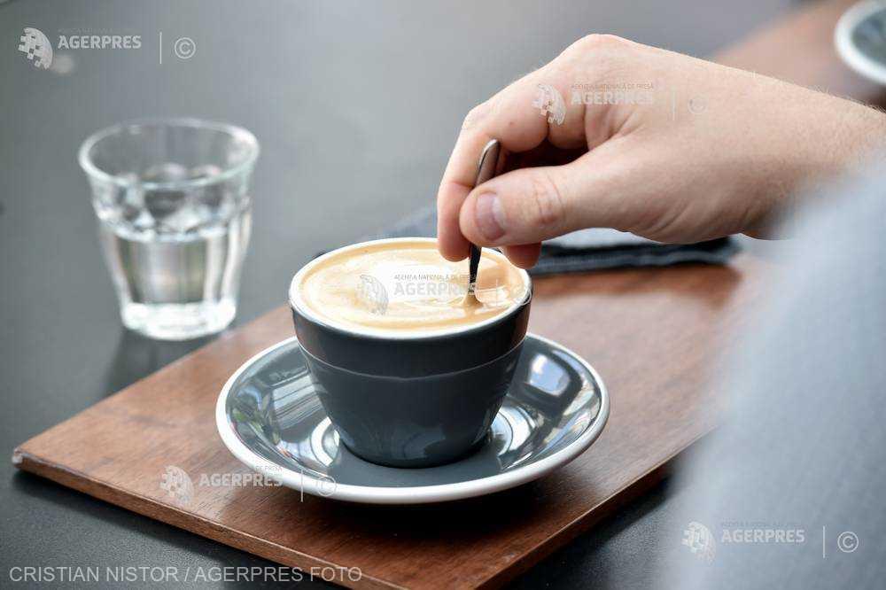 Consumul de cafea ar putea reduce riscul de apariţie a bolilor Alzheimer şi Parkinson (studiu)