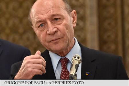 Traian Băsescu: Liviu Pop și Pavel Năstase repun în funcție directorii de școală care au picat concursul
