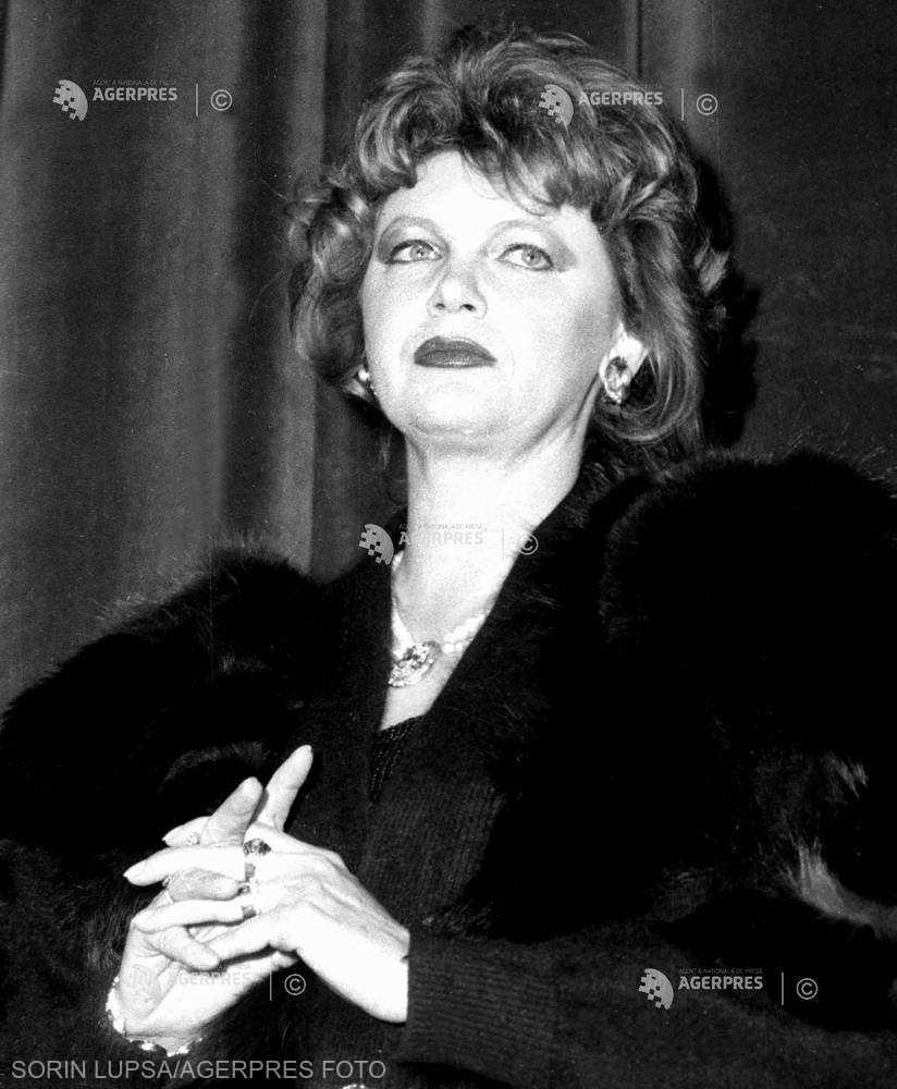 DOCUMENTAR: Actriţa Cezara Dafinescu împlineşte 70 de ani