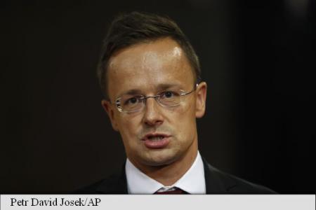 Promite că va bloca orice demers al Ucrainei de apropiere de UE, după ce președintele Poroșenko a promulgat legea educației