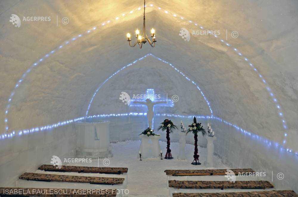 Sibiu: Cununie în singura biserică de gheaţă din ţară, cea de la Bâlea Lac