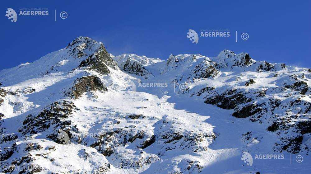 Sibiu: Risc mare de avalanşă şi ger în zona Bâlea Lac din Munţii Făgăraş; stratul de zăpadă-173 de cm