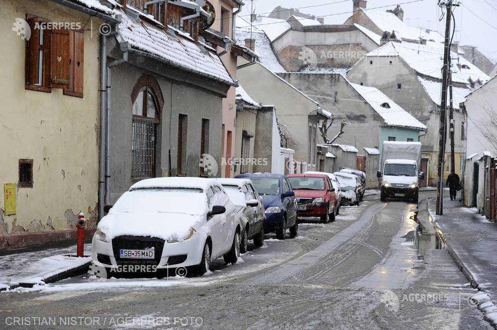 Sibiu: Plata parcării în municipiu se poate face şi printr-o aplicaţie pentru telefonul mobil