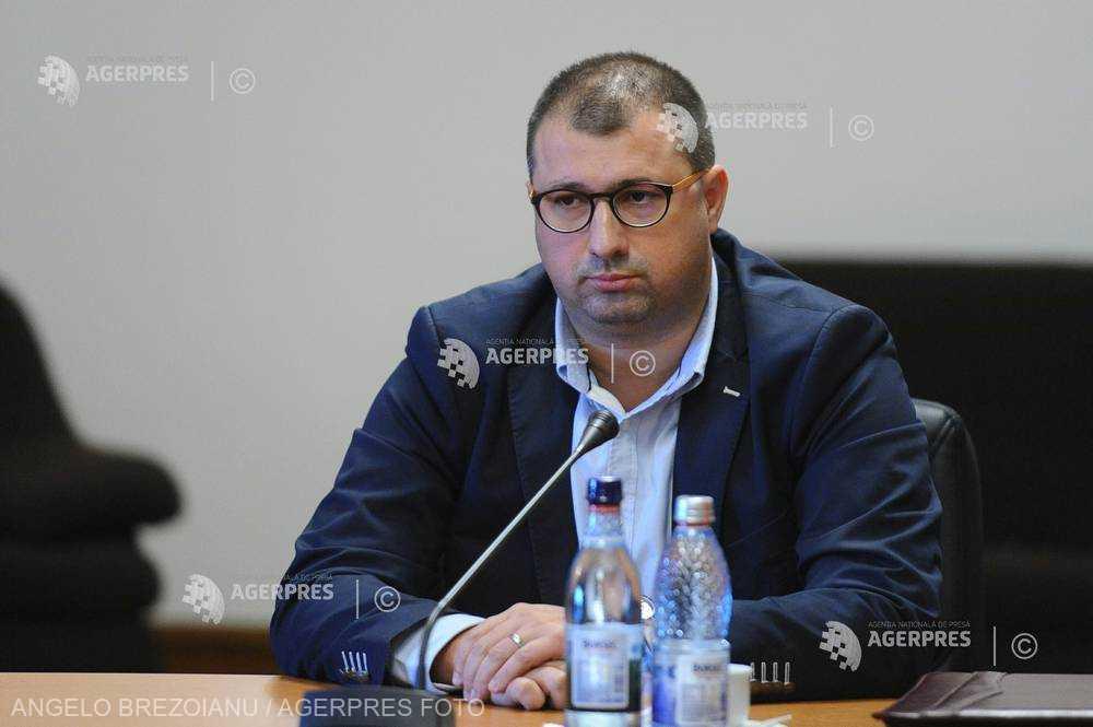 Fostul ofiţer SRI Daniel Dragomir cere audierea în instanţă a lui Gelu Diaconu şi Daniel Constantin
